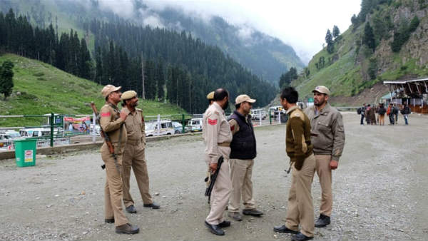 kashmir updates all party meeting in a hotel refused by police