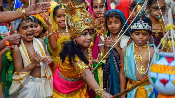 శ్రీ కృష్ణ జన్మాష్టమి: ఊరు.. వాడ ఘనంగా వేడుకలు.. భక్తులతో కిటకిటలాడుతున్న ఇస్కాన్ దేవాలయాలు