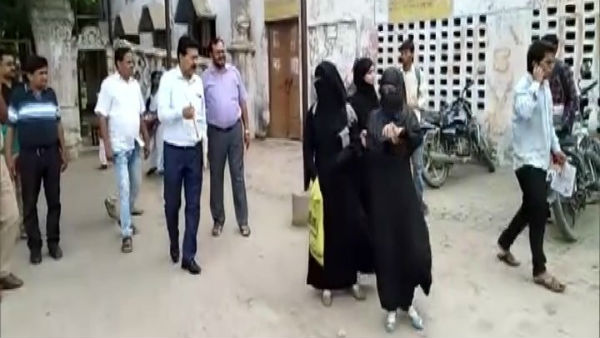 College bans entry of girl students wearing burqa in UPs Firozabad
