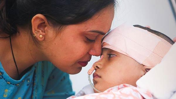 సహాయం చేద్దాం: బ్రెయిన్ ట్యూమర్తో బాధపడుతున్న ఐదేళ్ల చిన్నారి దృష్టి