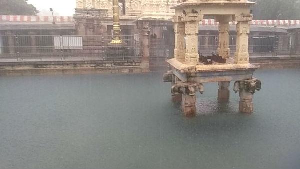 కర్నూలు జిల్లాలో వరద బీభత్సం ..ముగ్గురు గల్లంతు .. వరదలో  మహానంది ఆలయం