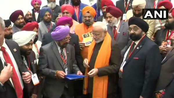 Sikh community in houston thank Tiger PM Modi for Kartarpur, other decisions