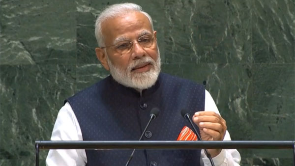 we are face terrorism unitedly : modi