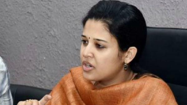 ఐఏఎస్ అధికారి రోహిణి సింధూరి బదిలి, రూ. 7,000 కోట్ల దెబ్బ, బీజేపీ ప్రభుత్వం !