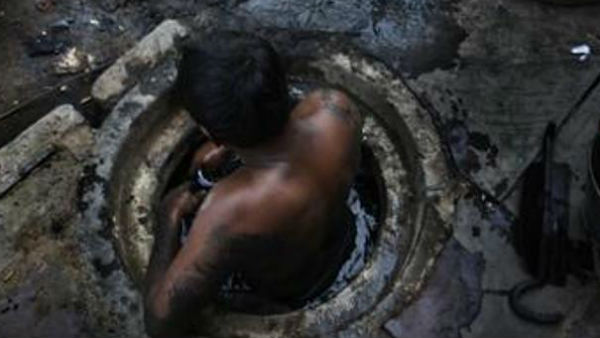 SC slams centre on Manual scavenging,questions what action has been taken?