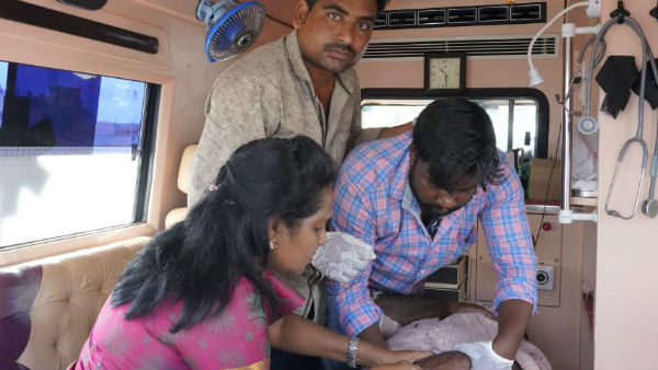 YSRCP MLA Dr Sridevi gave treatment in an Ambulance to injured in an accident