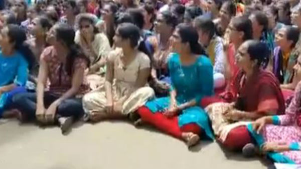 dogs attacked on girl student in warangal engineering college