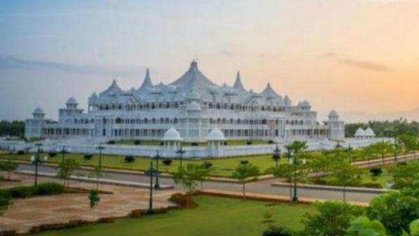 మరో డేరా బాబా?: నాలుగు రాష్ట్రాల్లో కల్కి భగవాన్ అవినీతి సామ్రాజ్యం: దొరకని ఆచూకీ
