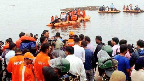Godavari Boat Extraction Works Are Going at Brisk Pace: The first Attempt Failed