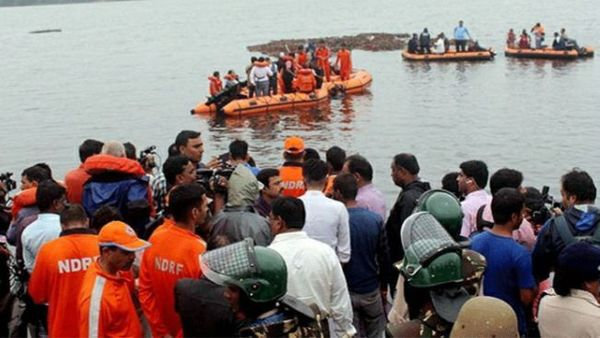 four dead bodies in dhavaleswaram godavari river