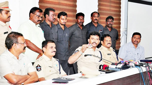 drugs gang arrest in vijayawada