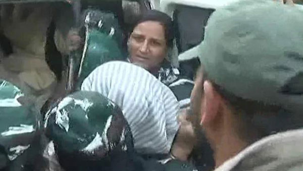 Farooq Abdullahs Sister, Daughter Detained During Protest In Srinagar