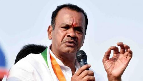 komatireddy venkat reddy fires on cm kcr and trs government