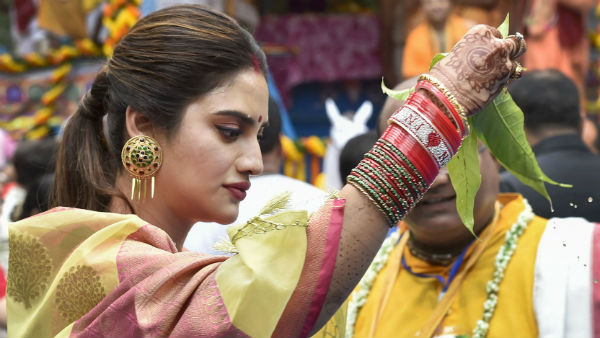 Nusrat Jahan in firing line of Muslim cleric for celebrating Durga puja