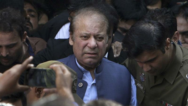 Nawaz Sharif faces tough time, arrested in Chaudhry Sugar mills case