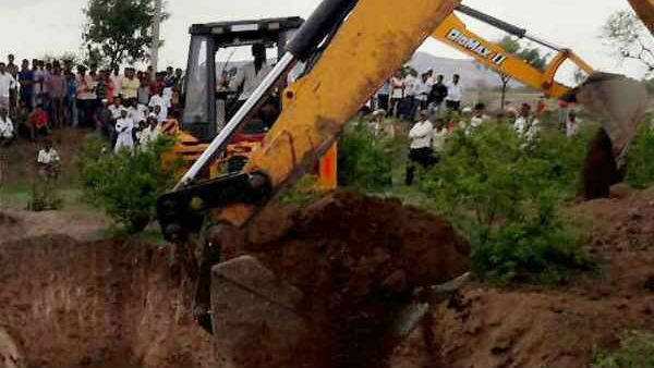Another tragedy in Haryana:Girl dies after falling into a 50 feet borewell