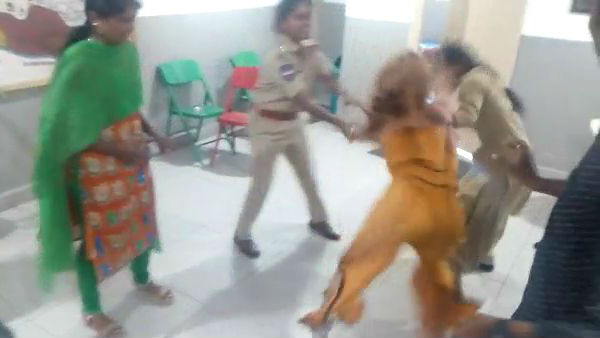 In Drugs intoxication a young woman attacked and warned Banjarahills police