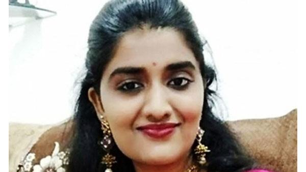 #PriyankaReddy: టోల్ గేట్ సీసీటీవీ ఫుటేజీలో చివరిసారిగా కనిపించిన ప్రియాంకా, అక్కడే స్కూటీ పార్క్