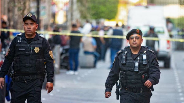 4 dead in shooting near Mexicos presidential residence