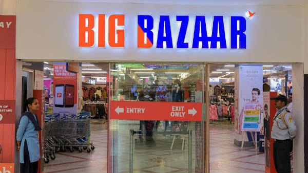 Big Bazaar fined Rs.5 Lakh by consumer forum for charging carry bag