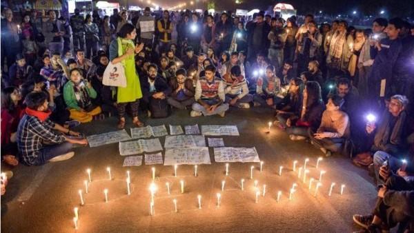 హైదరాబాదులో క్యాండిల్ లైట్ మార్చ్