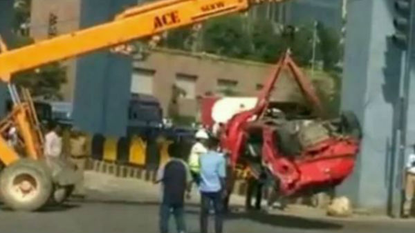 Car flies off flyover in Hyderabad, One died, four injured
