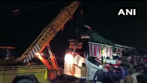 At least 12 killed as bus collides with truck on Agra-Lucknow Expressway in uttar pradesh