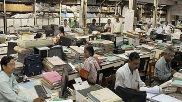 telangana government issued notices to postpone prc report deadline till december 31st