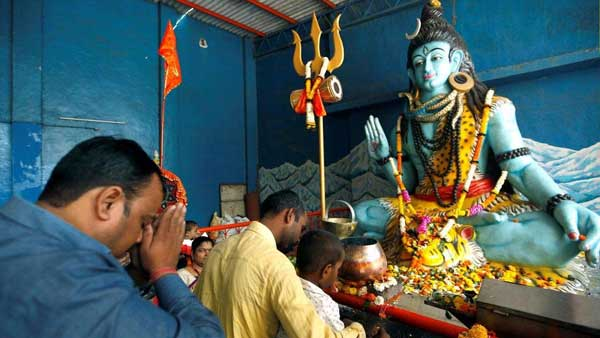 Mistakes That Should Not Be Committed While Offering Prayers To Lord Shiva