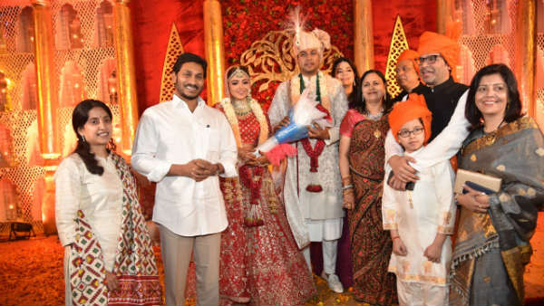 AP Chief Minister YS Jagan visits lucknow for ipac director Rishi wedding