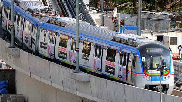 hyderabad metro reduce 10 thousand passengers: metro md