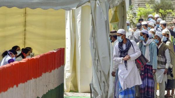 Tablighi Jamaat: వైద్యులపైనే ఉమ్మేస్తూ రోగుల వికృత చేష్టలు, వ్యాధి విస్తరించేలా..