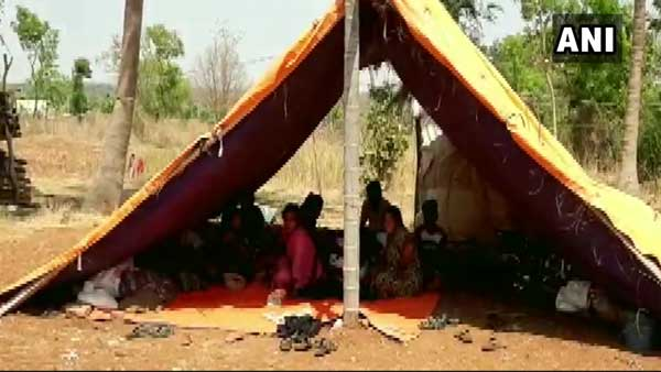 Families in Muddenahalli Karnataka had shifted to fields live in tents, amid Covid-19