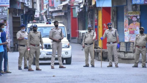 Lockdown: ఆంధ్రా- కర్ణాటక బార్డర్ లో 66 చెక్ పోస్టులు, నో ఎంట్రీ, తెలంగాణ కూడా, ప్రాణాలతో గేమ్స్ !