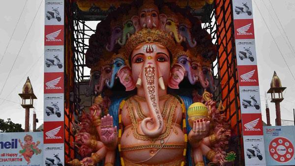 కరోనా ఎఫెక్ట్: ఒక్క అడుగుకే పరిమితం కానున్న ఖైరతాబాద్ వినాయకుడు...? వైరస్ తగ్గితే..?