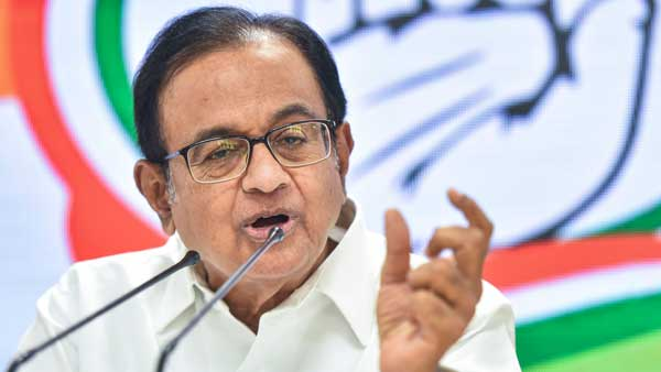 Chidambaram Mocks Modis Financial Package, Says PM Gave Headline and Blank Page