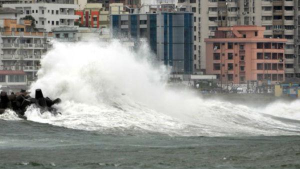 Cyclone Nisarga: ముంబైకి 110 కి.మీ వేగంతో వస్తున్న పెనుముప్పు, తీరంలో 144 సెక్షన్, హెచ్చరికలు జారీ