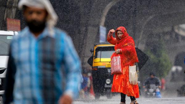 నైరుతి రుతుపవనాల ఎంట్రీ: కేరళతోపాటు ఏపీ, తెలంగాణలో భారీ వర్షాలు