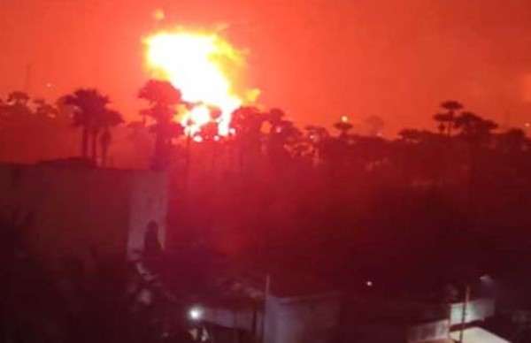 Locals injured as massive fire engulfs chemical plant in Vizag