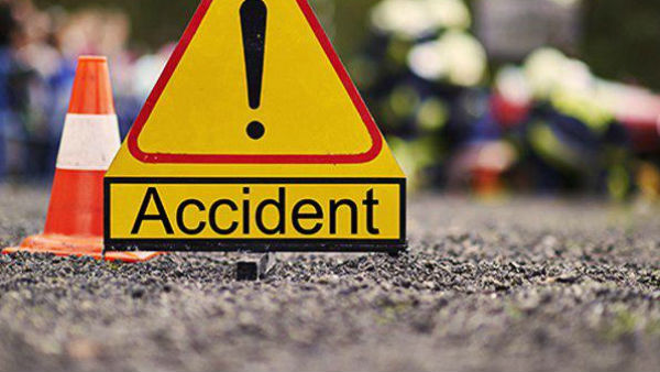 five killed as truck rams into auto in chittoor district
