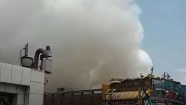 Nellore: Fire accident in Agro Chemical Factory at Vinjamur 4 persons were injured