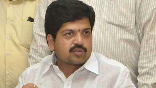 TDP leader Kollu Ravindra went underground after booked in YSRCP leader Moka Bhaskar Raos murder