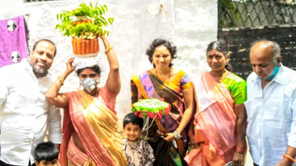 Know All About Lal Darwaza Bonalu, How it Is Celebrated