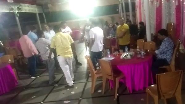 Lockdown curfew: అధికార పార్టీ లీడర్ బర్త్ డే 'మందు'పార్టీ: 250 మంది జల్సాలు, శివశివ, సీఎం!