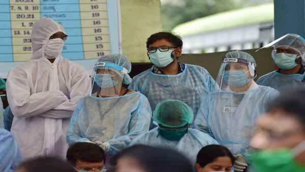 Coronavirus: కరోనాకు బలి, ఔట్ గోయింగ్ కు రూ. 9 లక్షలు, ఆసుపత్రి నిర్వాకం, మంత్రి చెబితే, షాక్!