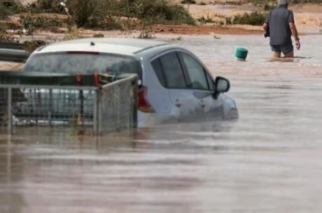 Heavy rainfall and hail storms cause flash flooding in spain
