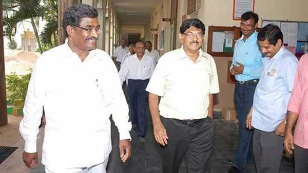 vijayawada police announces ramesh hospital chairman ramesh babu is in absconding