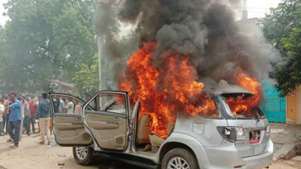 khammam: concern over a young man death, Relatives torched corporators vehicle