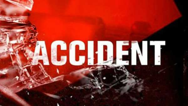 three killed in a road accident near tanuku in west godavari district