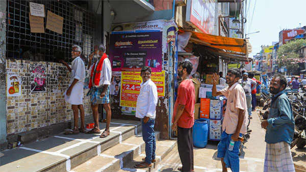 ఏపీ సర్కారు గ్రీన్ సిగ్నల్: రాష్ట్రంలో రేపట్నుంచే తెరచుకోనున్న బార్లు, 20శాతం కరోనా రుసుం